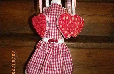 Coeurs bois et crochet
