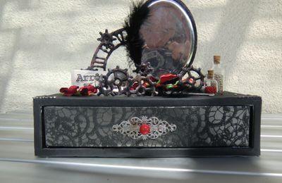 boite tiroir gothique