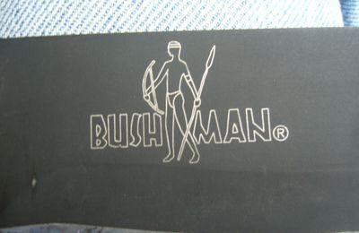 Bushman de Cold Steel : tressage sur le manche