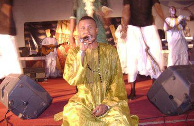 """Ousmane Gangué, lead vocal de """"Koodé Pinal"""" : """" Je suis avec celui qui est là pour œuvrer dans l'intérêt des populations, qui prône la justice et l'égalité"""""""