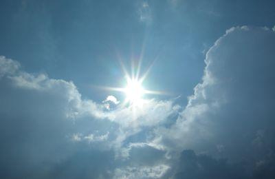 Le soleil donne...