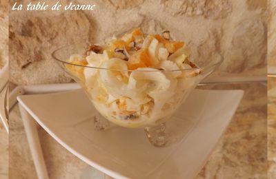 Salade d'endive, clémentine et noix, sauce au yaourt