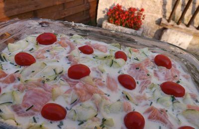 Flan de courgette, chèvre frais et saumon fumé