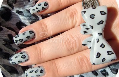 Nail Art Léopard Black & White