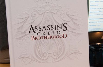Déballage : Guide collector Assassin's Creed Brotherhood
