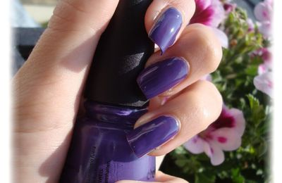 China Glaze - Grape Pop