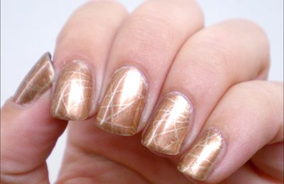 Nail art # 31 - Abstrait discret