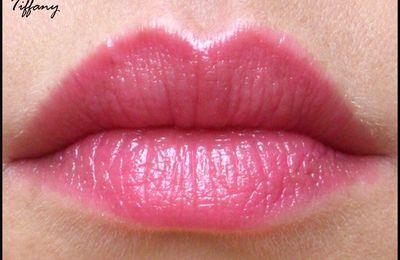 Rouge à lèvres - L'Oréal - Caresse Aphrodite Scarlet