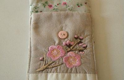 "Pochette portable "" fleur """