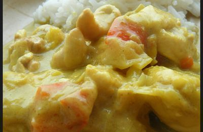 Poulet au curry, mangue et noix de cajou