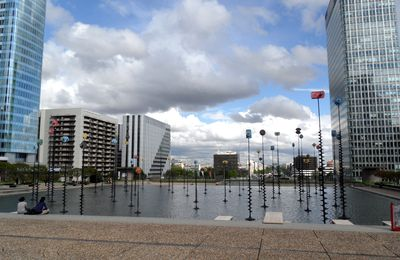 ESPLANADE DE LA DEFENSE - PARIS - 9 mai 2012