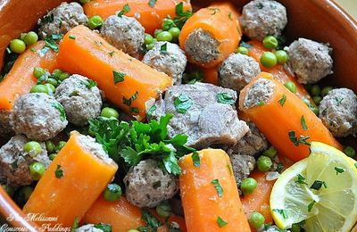 Carrot dolma - Stuffed carrots with meat and peas -