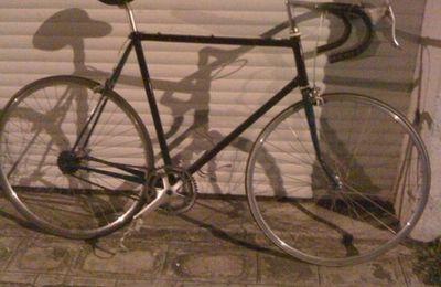 Montage de fixie à partir d'un vieux vélo