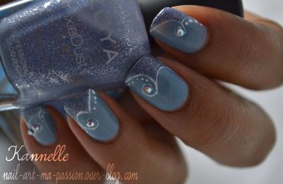 Nail art zoya en vague