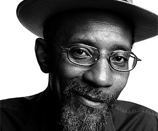LINTON KWESI JOHNSON : POETIQUE, POLITIQUE (2)