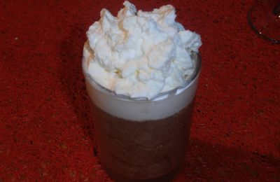 Mousse Chocolat avec sa chantilly