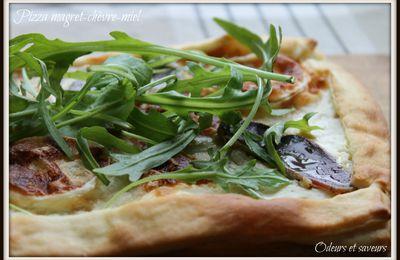 Pizza magret-chèvre-miel