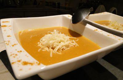 Velouté de carottes au curcuma et lait de coco