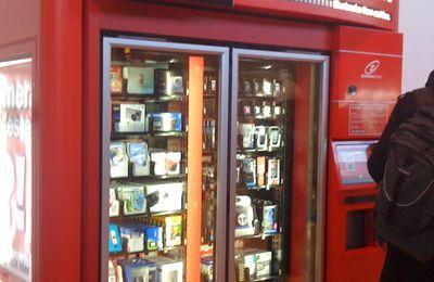 Mediamarkt vending machine