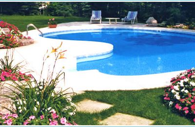 Vinyl Pool vs. Fiberglass Swimming Pool