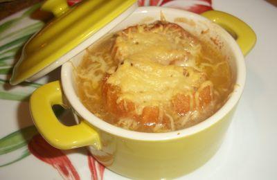 Soupe à l'oignon gratinée au parmesan !!!