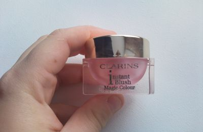 Review: Instant Blush Colour Magic