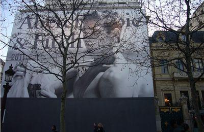 Ouverture d'Abercrombie & Fitch sur les Champs-Elysées