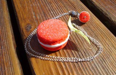Parure macarons fraise tagada
