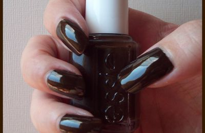 Little brown dress - Essie