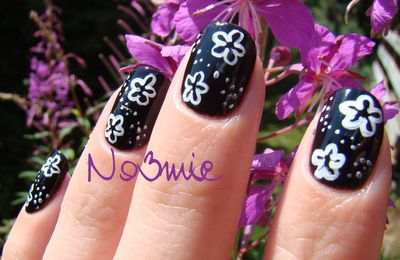 Black and white nail art