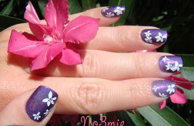 """with all the pretty flowers in the ground"" nail art konad"
