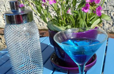 "Cocktail ""Blue Lagoon"" variante"