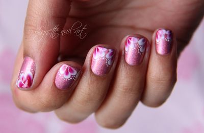 Nail art One stroke French rose