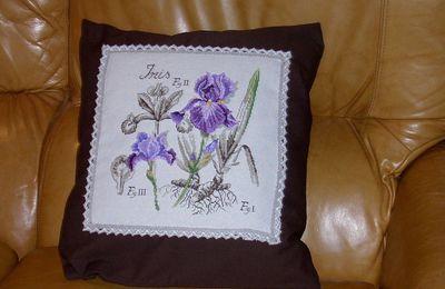 Le coussin à l'iris