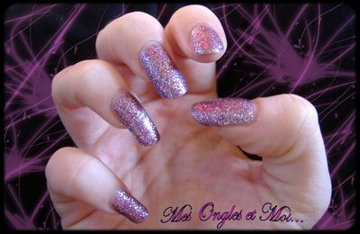 OPI Show it and Glow it – Collection burlesque