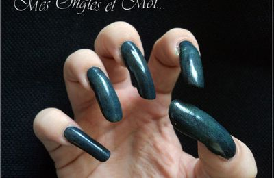 OPI Zom-Body To Love - Collection Spookettes - Halloween 2011