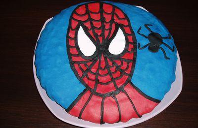 Gâteau d'anniversaire en pâte à sucre : SPIDERMAN !!!