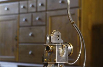 Création luminaire lampe récup' projecteur de film Pathé Baby vintage
