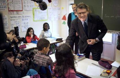 Peillon annonce le recrutement de près de 40.000 professeurs en 2013 !