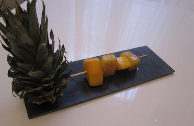 BROCHETTE DE FRUITS EXOTIQUE