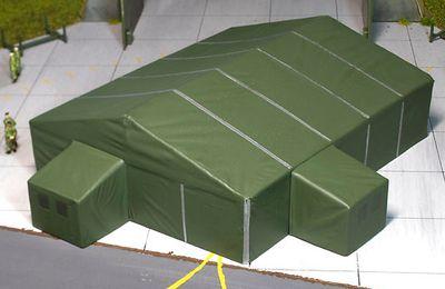 Tentes militaires et matériels pour une base au 1/87