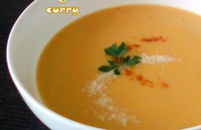Potage de potiron exotique au lait de coco et curry