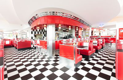 Franky's diner, back in a real 50's american diner !