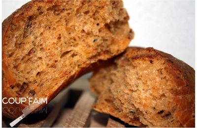 Petits pains aux herbes et tomates séchées ...
