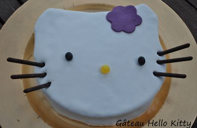 Gateau Hello Kitty.