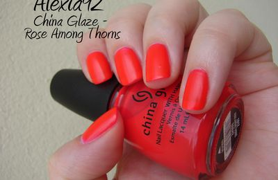 China Glaze - Rose Among Thorns