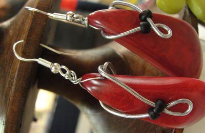 Fil métal et tagua rouge