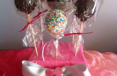 Des cake pops et des migniardises