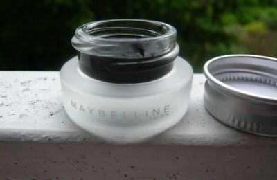 Gel eye liner Maybelline