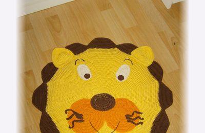 tapis tête de lion au crochet